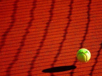 テニス 肘外側